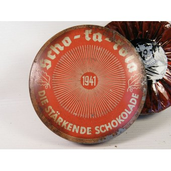 Scho-ka-kola chocolate tin 1941 Wehrmacht Packung with chokolate inside. Espenlaub militaria