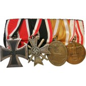 The medal bar with an Iron Cross 1939