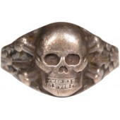WW2 German Traditional ring with a skull and crossbones, framed in oak leaves. 835