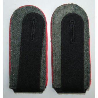Waffen SS Artillery shoulder boards with red piping. Espenlaub militaria