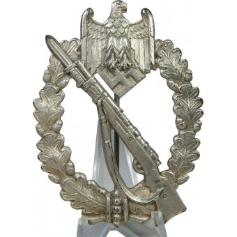 Infantry assault badge in silver, marked CW by Carl Wild. Espenlaub militaria