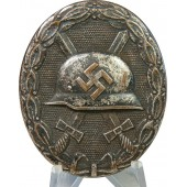 Wound badge in silver, Übergross type.