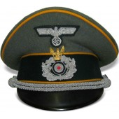 "Wehrmacht armored Reconnaissance visor hat with traditional badge ""Schwedter Adler"""