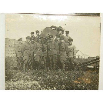 2 photos of the Anti aircraft projectorists of the Red Army. Espenlaub militaria