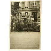 Photo of German officers next to the staff car