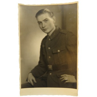 Wehrmacht. Private in automotive service. 08. 1944, portrait photo. Espenlaub militaria