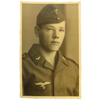 Young Luftwaffe flak Gefreiter in side hat. Espenlaub militaria