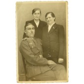 Portrait photo - Wehrmacht Unteroffizier with family