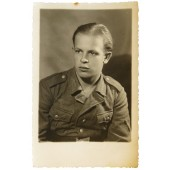 Photo of the Wehrmacht pioneer in the rank of gefreiter in M41tunic