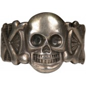 Silver traditional ring with skull from the 3rd Reich period. Sterling silver 835