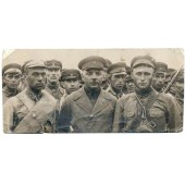 Marshal Voroshilov with the soldiers
