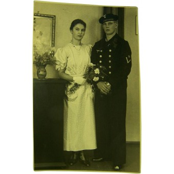 Original WW2 photo of Kriegsmarine soldier with wife. Espenlaub militaria