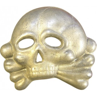 Early traditional skull, used by SS -VT/TV, A/SS. Espenlaub militaria