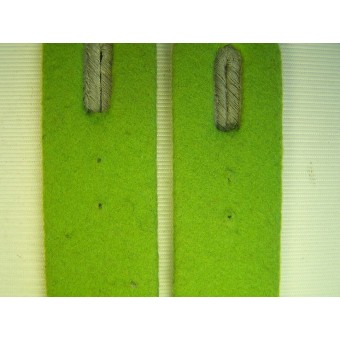 Panzergrenadiere grass-green  officers  shoulder straps. Espenlaub militaria