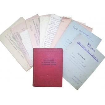 Set of the WW2 papers, summery notebooks and manuals belonged to the junior commander.. Espenlaub militaria