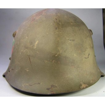 M 36 Bulgarian steel helmet in original pre war paint. Espenlaub militaria