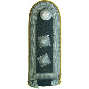 Single private purchased Waffenrocks strap for Flying or Parashutist personnel. Espenlaub militaria