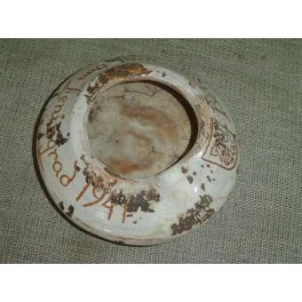 German ceramic ash-tray, souvenir. Espenlaub militaria