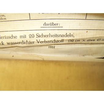 Medical leather pouch with original content.. Espenlaub militaria