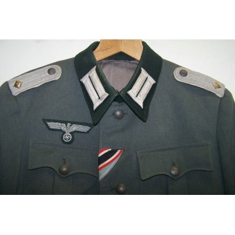 Very nice, untampered condition, Infantry Oberlieutenants tunic. Espenlaub militaria